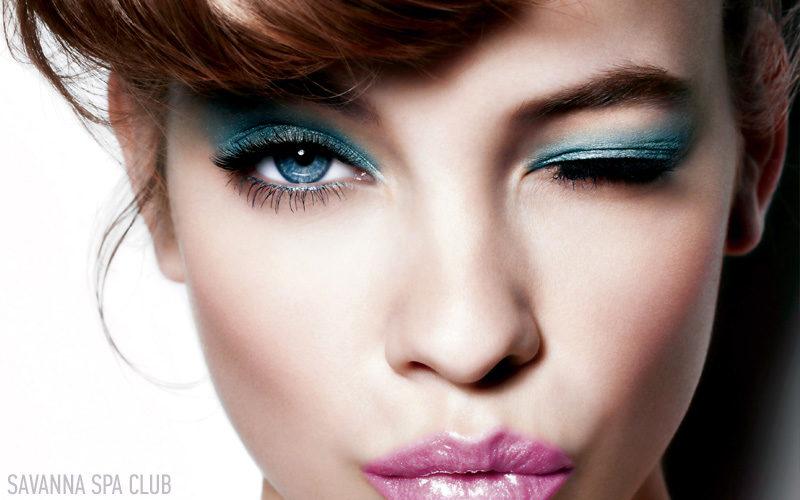 макіяж на обличчі зроблений візажистом SAVANNA