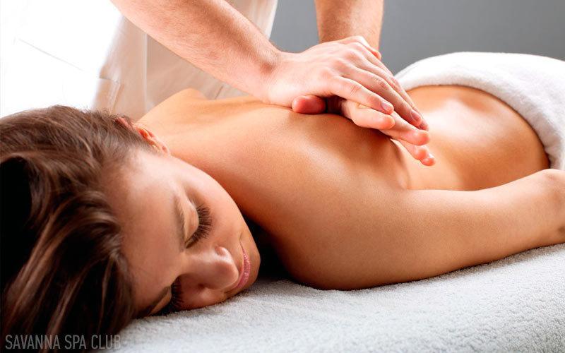 масаж спини в салоні краси