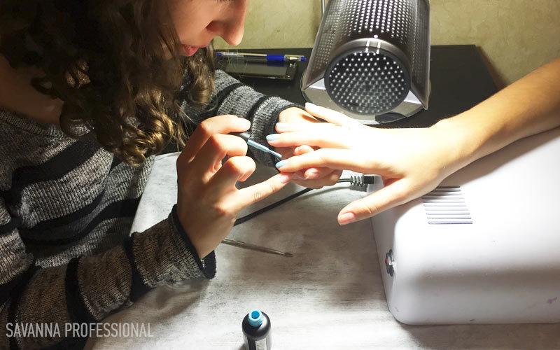 навчання покриттю нігтів