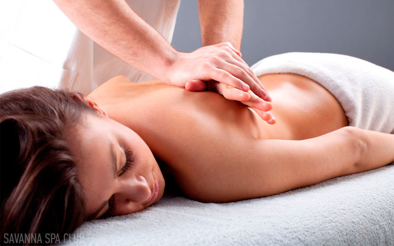 масаж спини класичний
