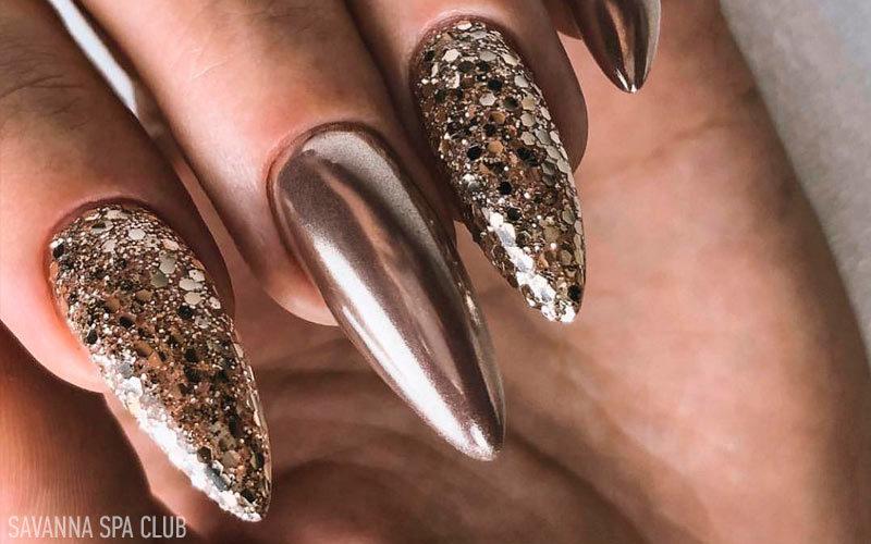 гелеві нігті дзеркальні із блискітками