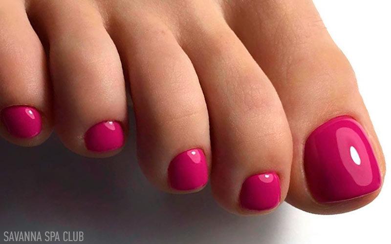 Педикюр і покриття гель-лаком нігтів