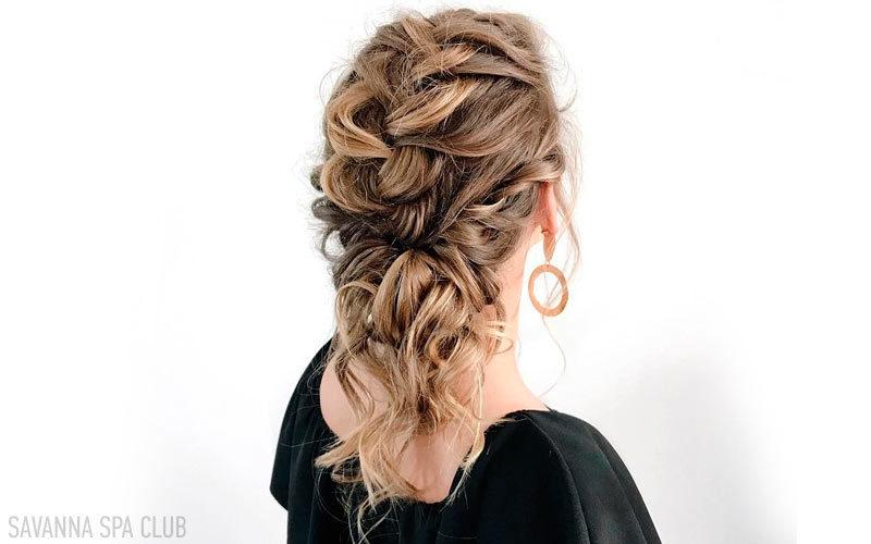 зачіска виконана в салоні краси
