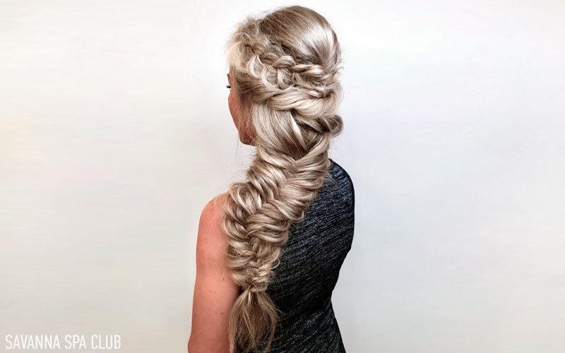 зачіска на випускний із елементами плетіння